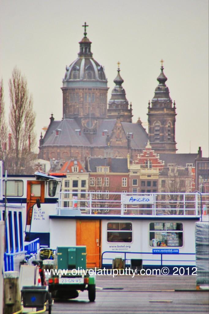 menginap di rumah kapal amsterdam