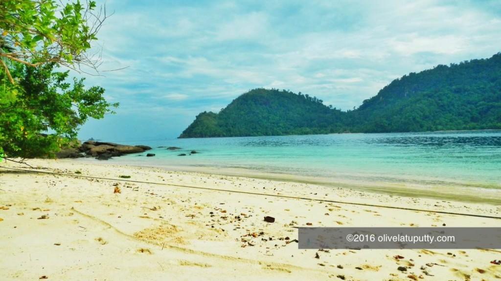 liburan di pulau emas